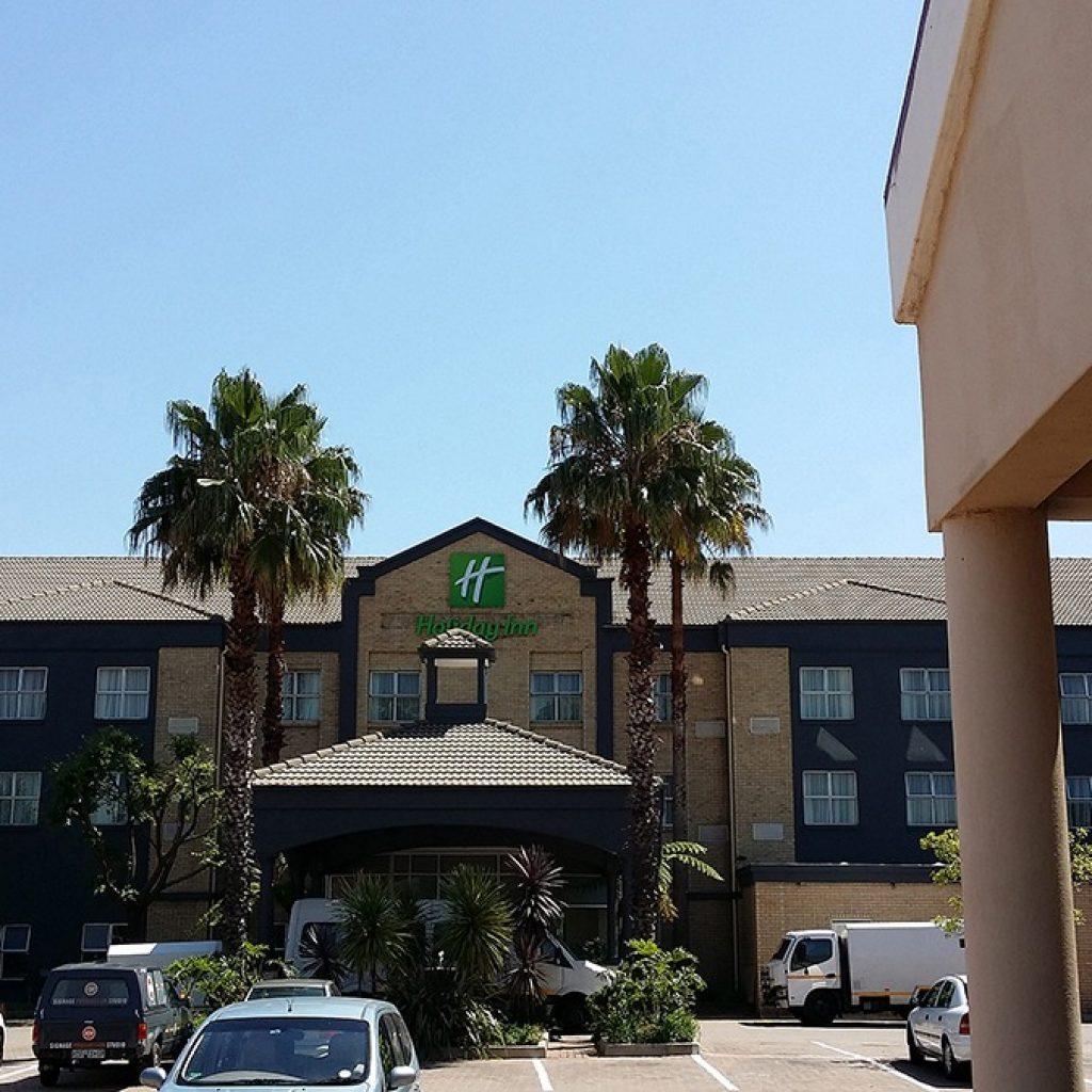 Holiday Inn | OR Tambo International Airport | Signage Production Studio | SPSHolidayInn x