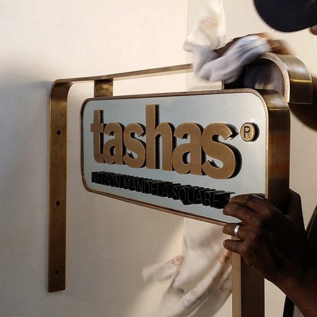 Tashas | Signage Production Studio | SPSInstallations x